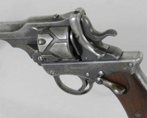 O Webley-Fosbery Automatic Revolver é um dos poucos revólveres com trava de segurança.